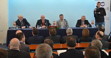 Draganu Markoviću povelja počasnog senatora Senata privrede Srbije